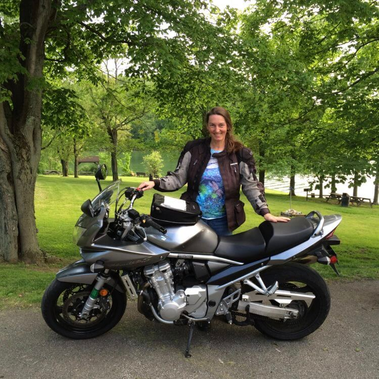Why More Women are Riding Motorcycles